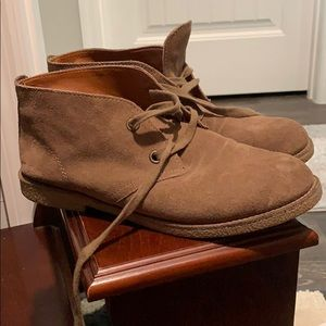 Lucky suede boots